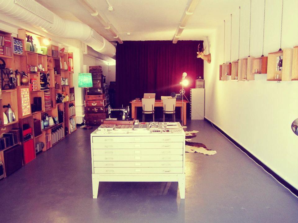 photobooth shop 1.jpg