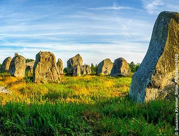 stone-circles-carnac_.jpg