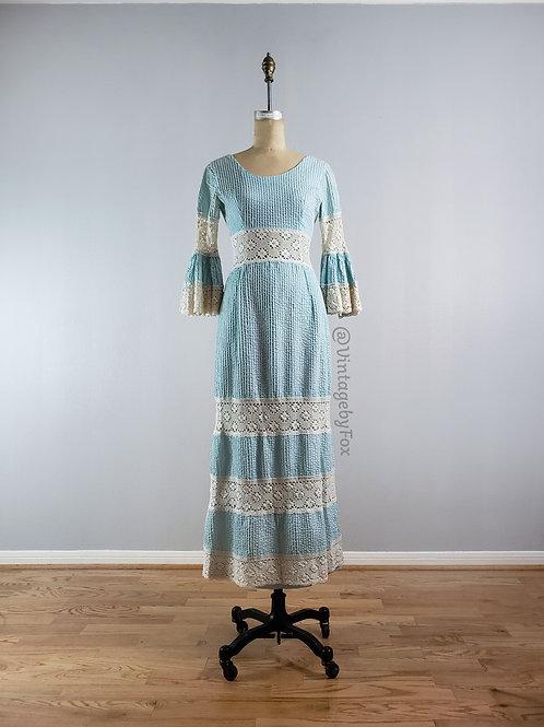 1950's Lace Bell Sleeve Summer Ready Bella Dress