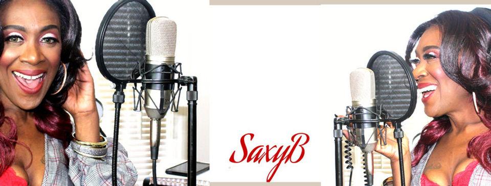 SaxybMic1.jpg