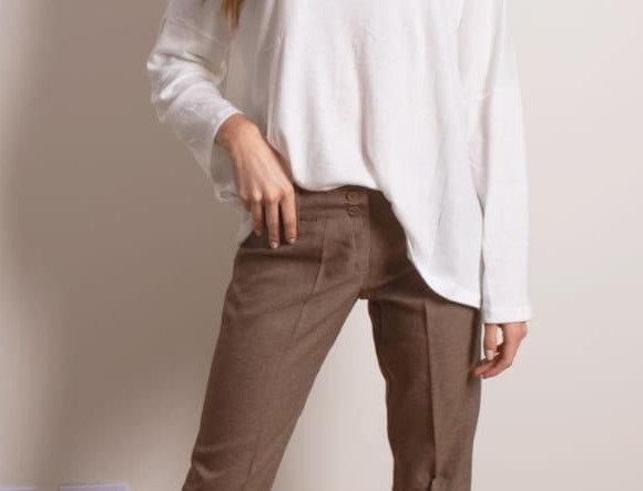 Pantalon Sarga liso tiro medio
