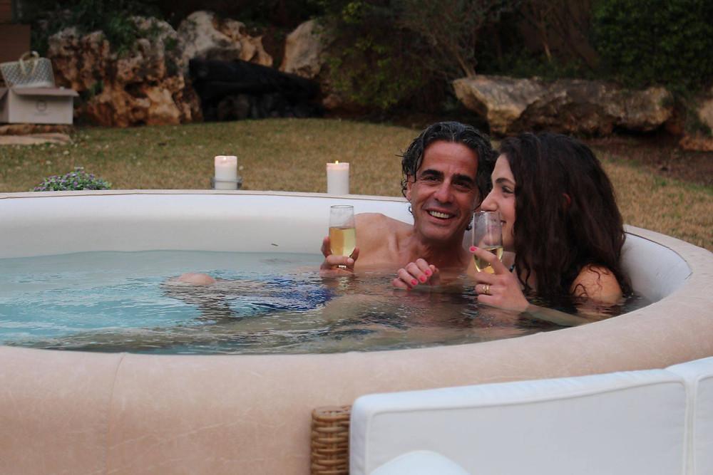 נירו לוי ורייצ'ל גאון מציגים זוגיות מאושרת בסופטאב 1