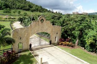 BPortico-_Hacienda-view.png
