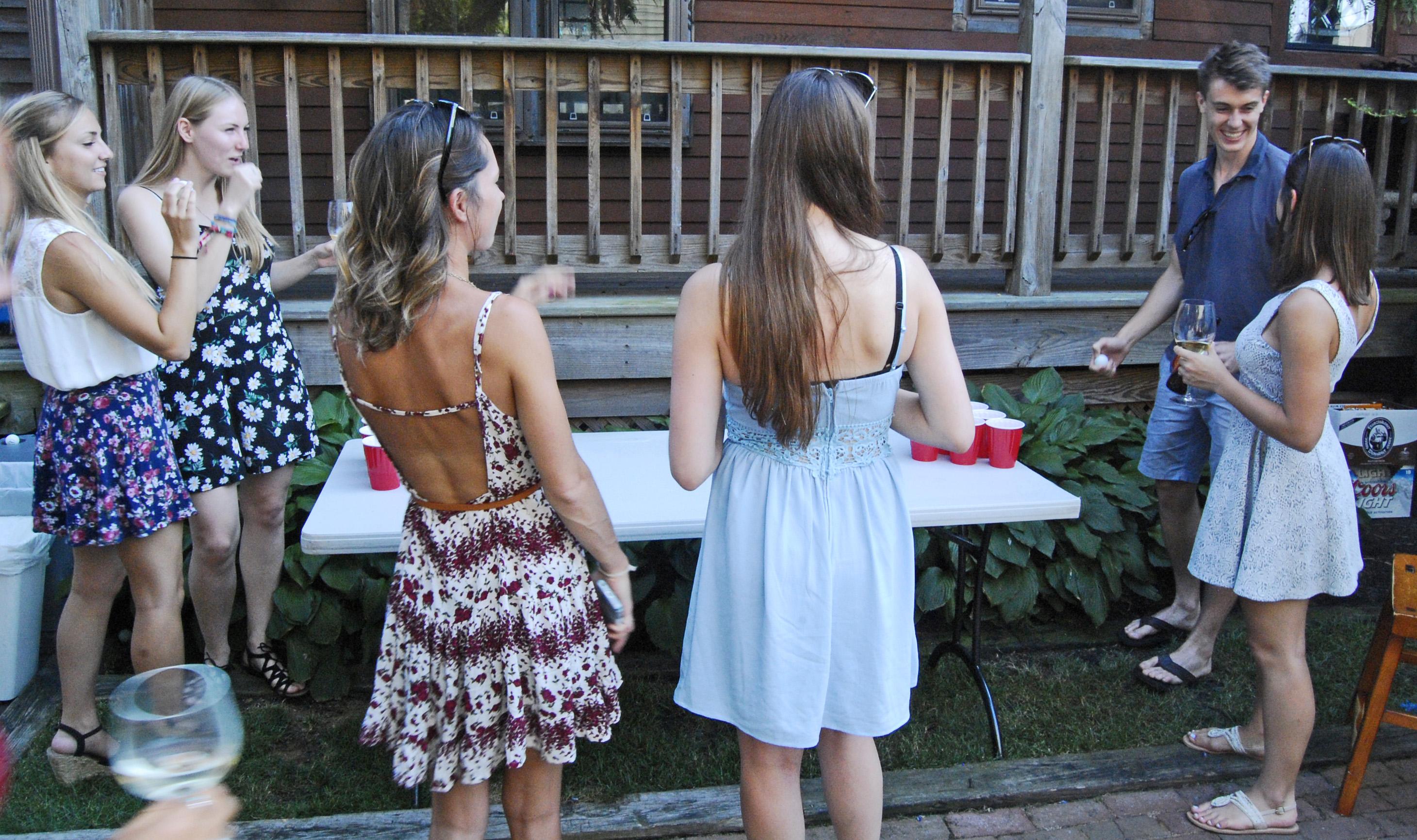 Les girls & Luke ponging