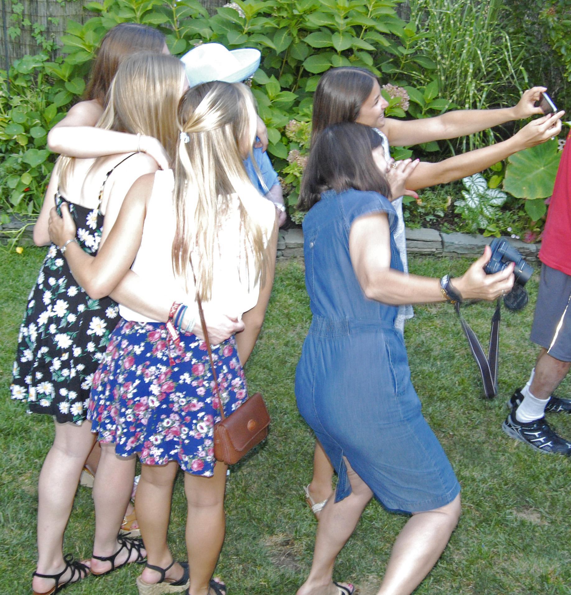 ML, Claire, & girls selfie 2