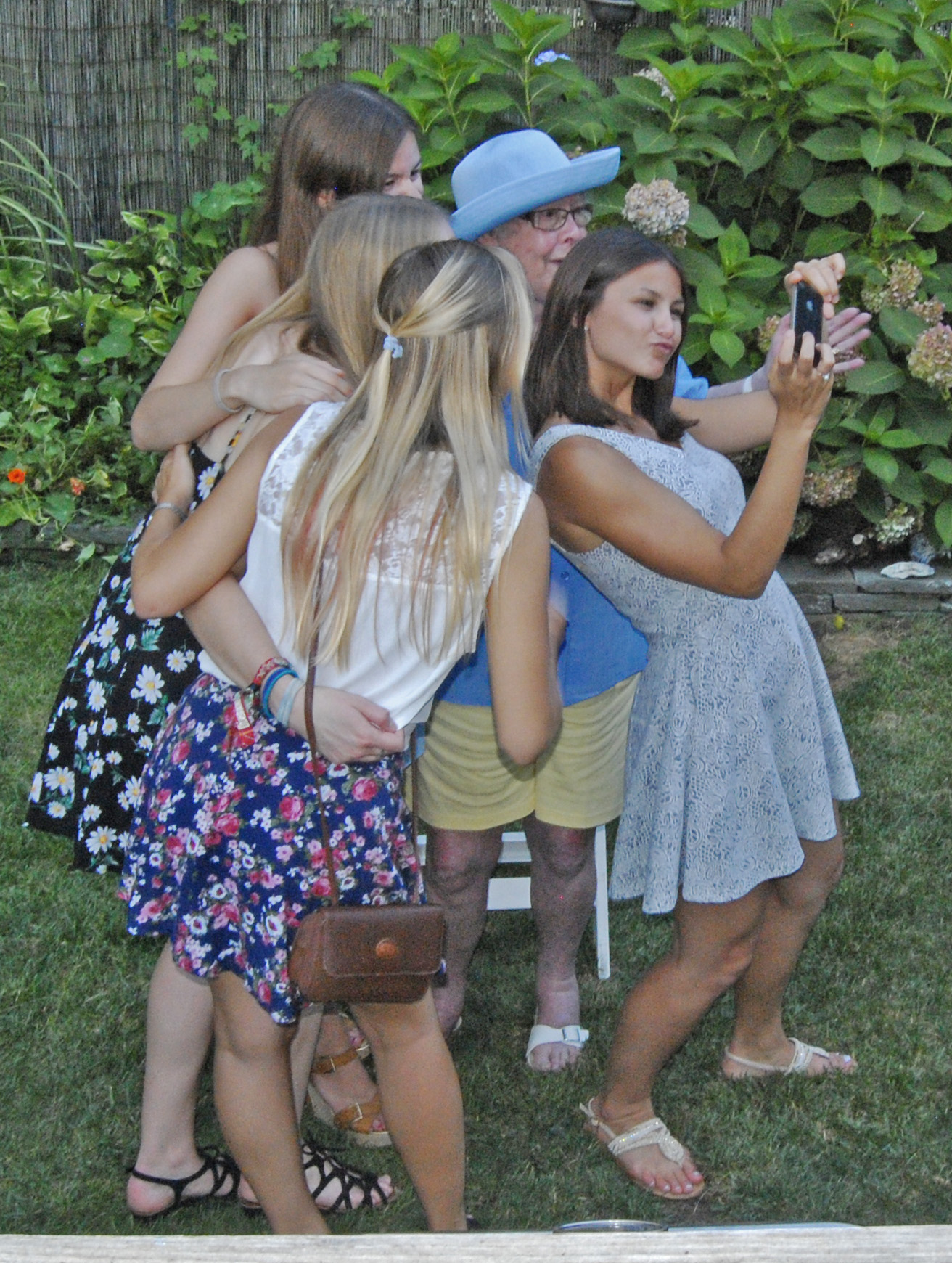 ML & girls selfie 3