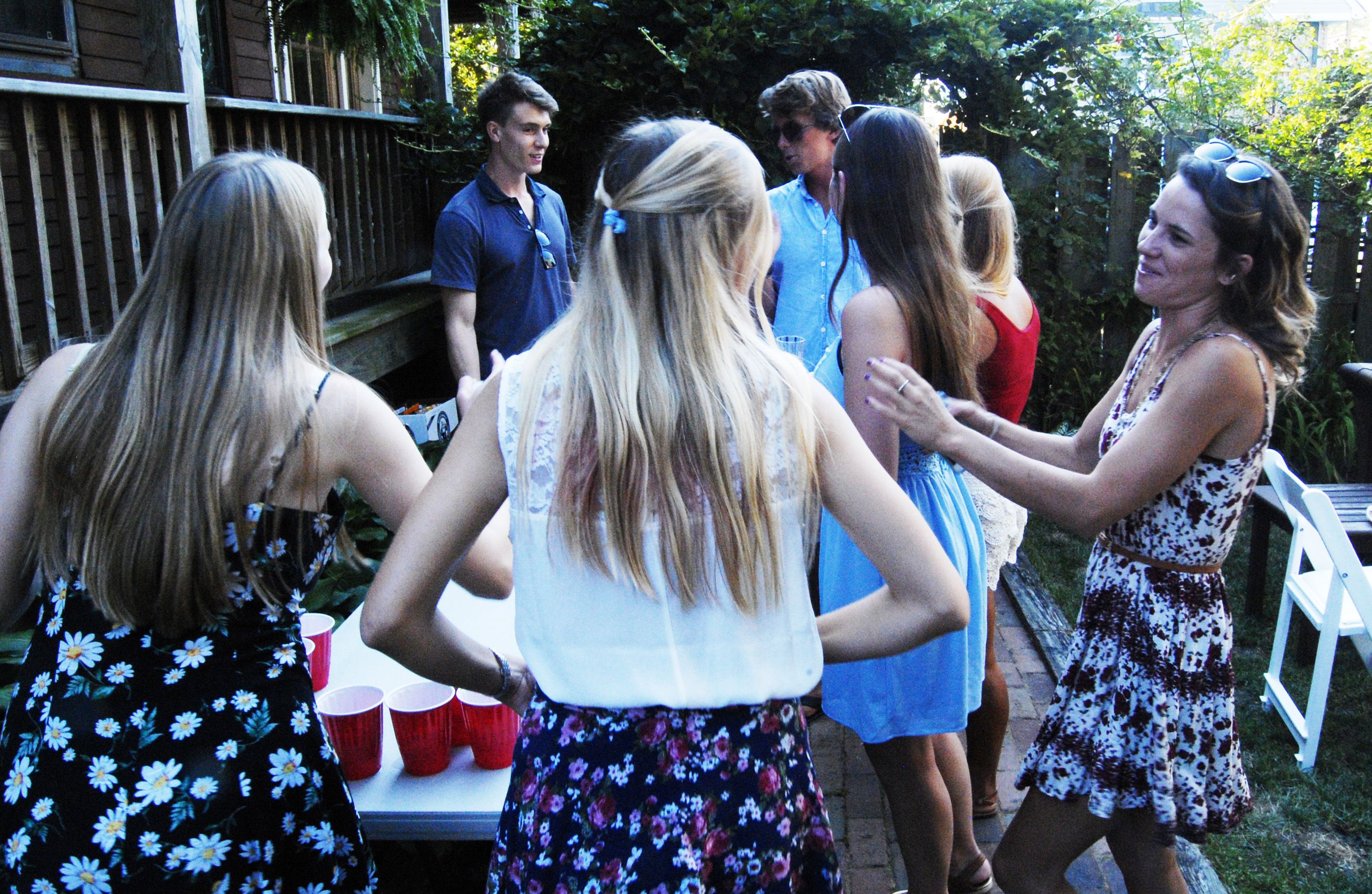 Beer pong players, Luke, Will, Hannah