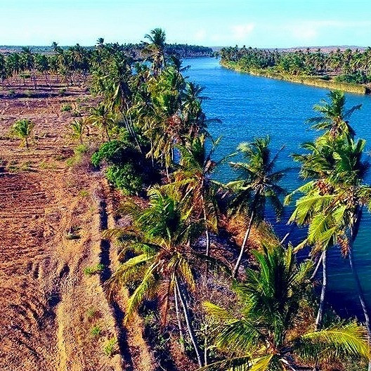 One of  the most beautiful beaches in Somalia,  Where Jubba river meets Indian Ocean. its so colored, stunning nature and fresh Indian Ocean with magnificent views.