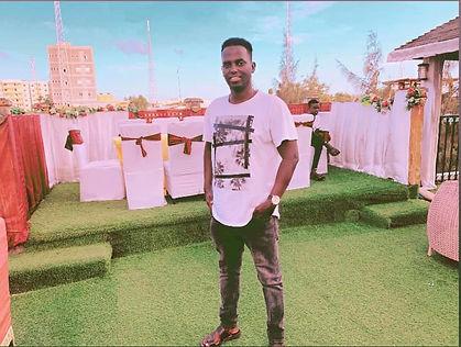 Mustafa Mmj From Mogadishu , Pizza house