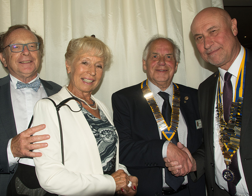 President Denys Fabritius and members of the Boulogne sur Mer Rotary club