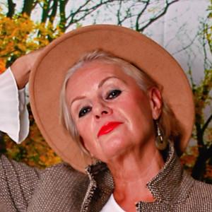 Miss Suzanne Cambridge