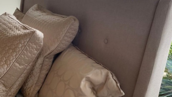 Casana - Ballard Queen Bed