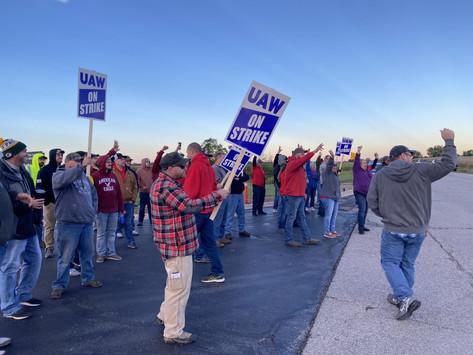 10,000 John Deere workers begin largest US private sector strike in years