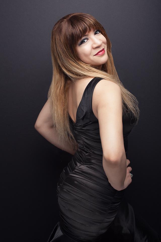 Alexandra Sessler Headshot 8-16 6 web