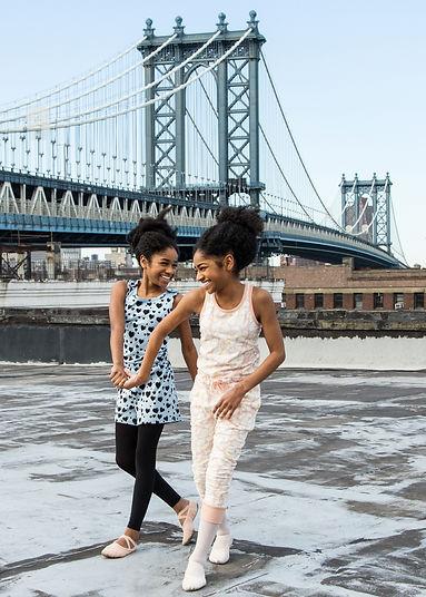NiaAndImaniLindsay_BalletTwins_together_