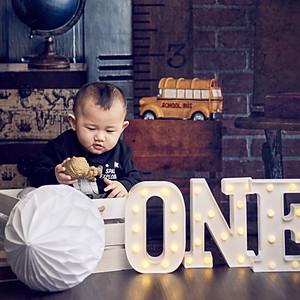 Baby Milestone Session (Studio)