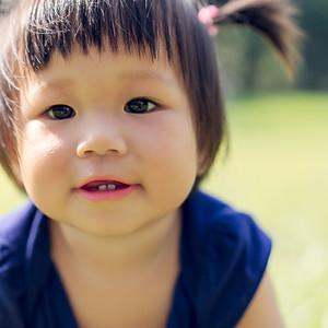 Outdoor Baby Milestones (Isabelle)