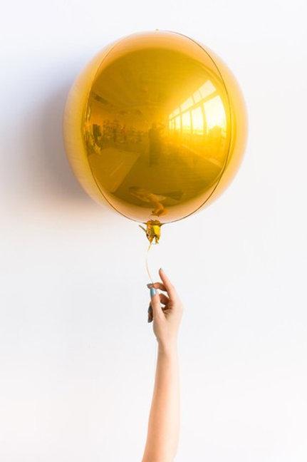Сфера золото