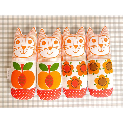 Vintage Flower and Apple Cats