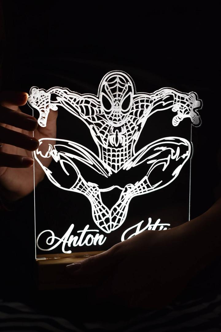 Lapse nimega Spider Man valgusti - 75€