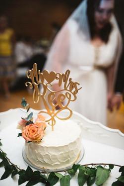 Vineerist topper tordile pulmadeks