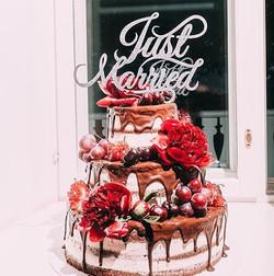 Ta da da daa😍 #estwoodyart #cakeyourday #caketopper #justmarried #käsitöö #handmade #tehtudEestis
