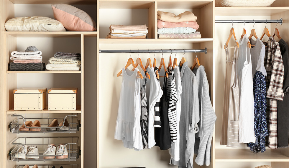 Well Organised Fitted Closet