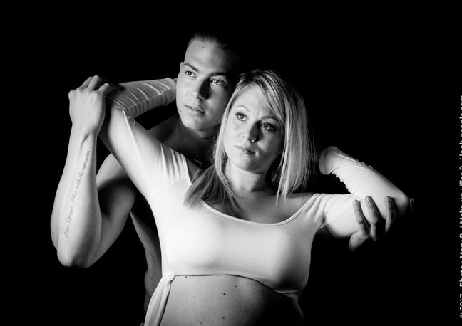 Shooting couple, pregnancy