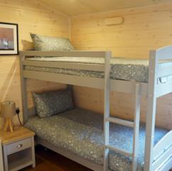 3 bedroom cabin bunk bed
