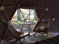 Table et chaises du dome