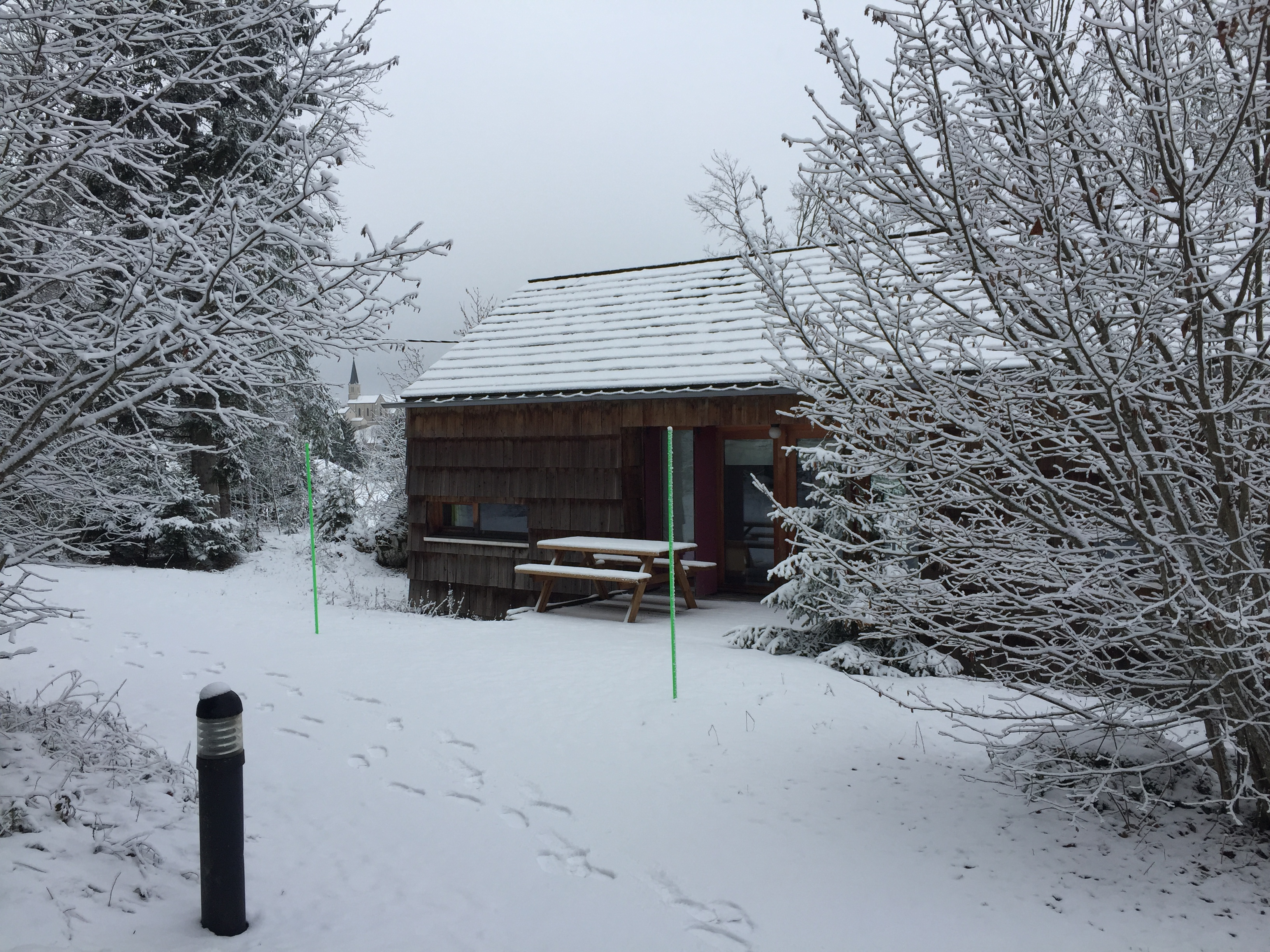 Cottage sous la neige - Bugnon