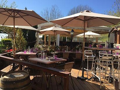 terrasse_teck_coté_restaurant.jpg