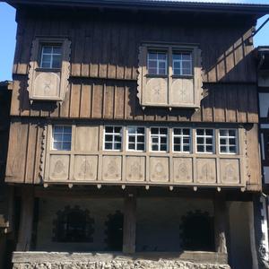 Bildpanorama eines typisches Schweizer Haus in Werdenberg (St. Gallen)