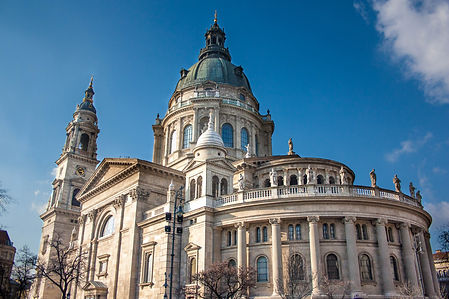 ellie bell photography, travel, budapest, hungary, europe, travel photography, basilica, winter