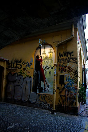 ellie bell photography, prague, czech republic, old town, street art, art, wall art, graffiti