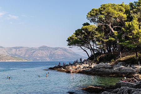 ellie bell photography, dubrovnik, croatia, lokrum, lokrum island, island, sea, coast, mountains, swimmers, trees, summer, tourists