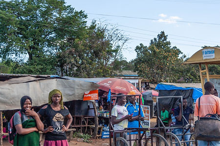 ellie bell photography, tanzania, east africa, market, traders