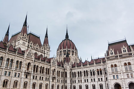 ellie bell photography, travel, budapest, hungary, europe, travel photography, winter, parliament building, achitecture