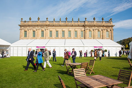 ellie bell photography, chatsworth, chatsworth house, stately home, derbyshire, festival, art festival, people walking