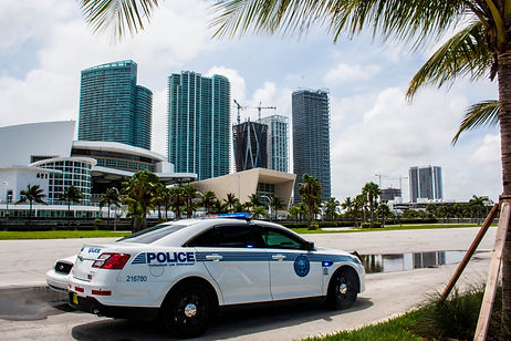 ellie bell photography, travel, miami, usa, florida, police, police car, car, skyscrapers