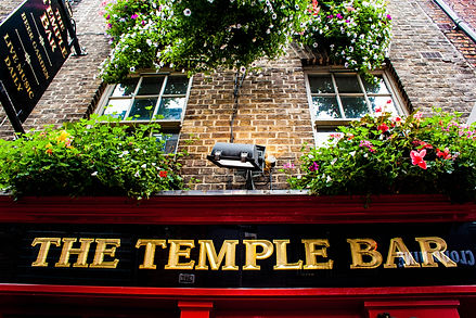 ellie bell photography, dublin, travel photography, temple bar, pub, ireland