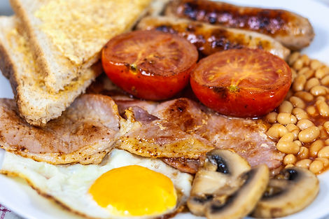 ellie bell photography, food photography, full english, sausgage, bacon, tomato, mushroom, toast, butter, egg, fried egg, bakes beans, breakfast, greasy, english