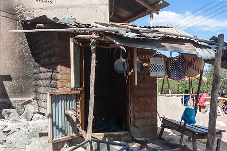 ellie bell photography, tanzania, east africa, hut, living, pots, pans, shack