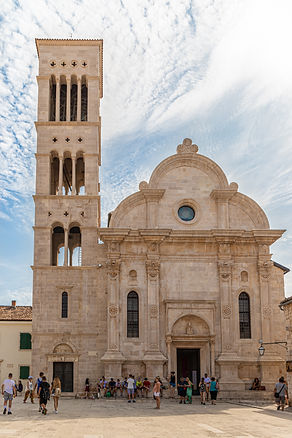 ellie bell photography, croatia, hvar, island, adriatic sea, architecture, summer, europe, tourists