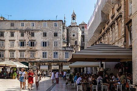ellie bell photography, croatia, split, old town, architecture, main square, tourists, tourism, people, busy, holiday, restaurants, euope, summer