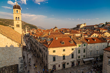 ellie bell photography, dubrovnik, croatia, city walls, wall walk, architecture, europe, old town, view, sunset, summer