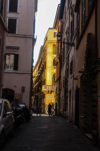 ellie bell photography, rome, italy, summer, street, yellow, architecture