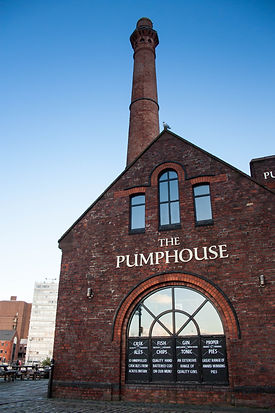 ellie bell photography, Liverpool, Liverpool Docks, traditional, pub, modern, architecture
