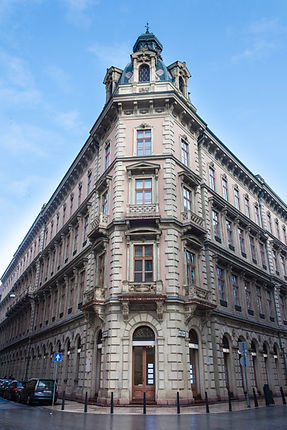 ellie bell photography, travel, budapest, hungary, europe, travel photography, winter, architecture