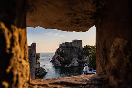 ellie bell photography, dubrovnik, old town, castle, game of thrones, sunset, city wall walk, sea, ocean, adriatic sea, view